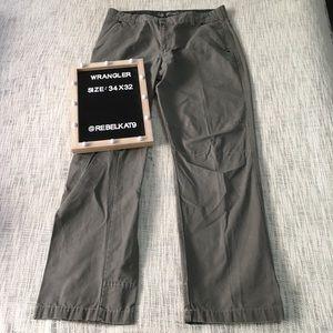 Wrangler Cargo Jeans Size 34 x 32